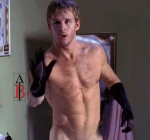 ryan-kwanten-gloves